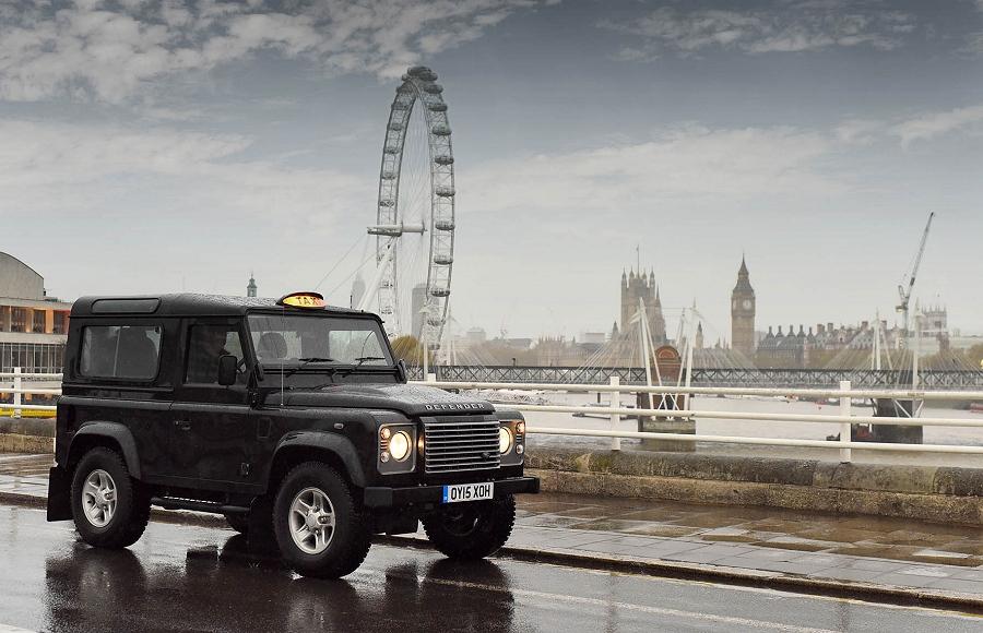Tweemiljoenste Land Rover Defender onder de hamer