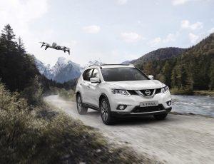 Nissan X-TRAIL X-Scape met drone voor foto's en video's